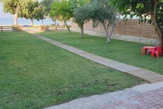 bayside-lefkada-facilities-garden-01