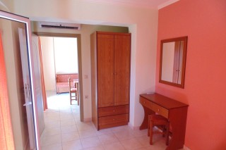 lefkada-two-bed-apartment-02
